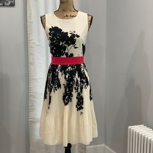 Saks Fifth Avenue Red label dress size 10